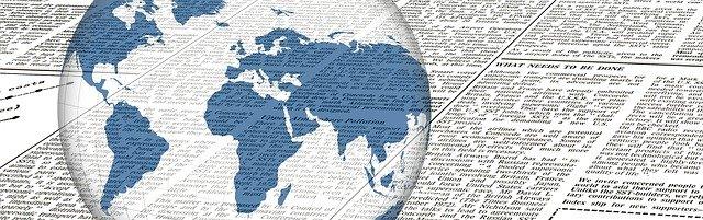英字の新聞と透明な地球